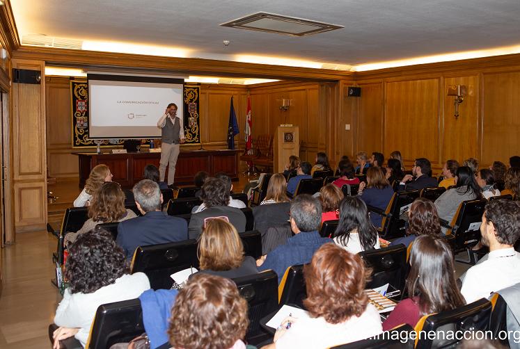 Pedro Delgado en un momento de la charla sobre Comunicación Efectiva de la Empresa