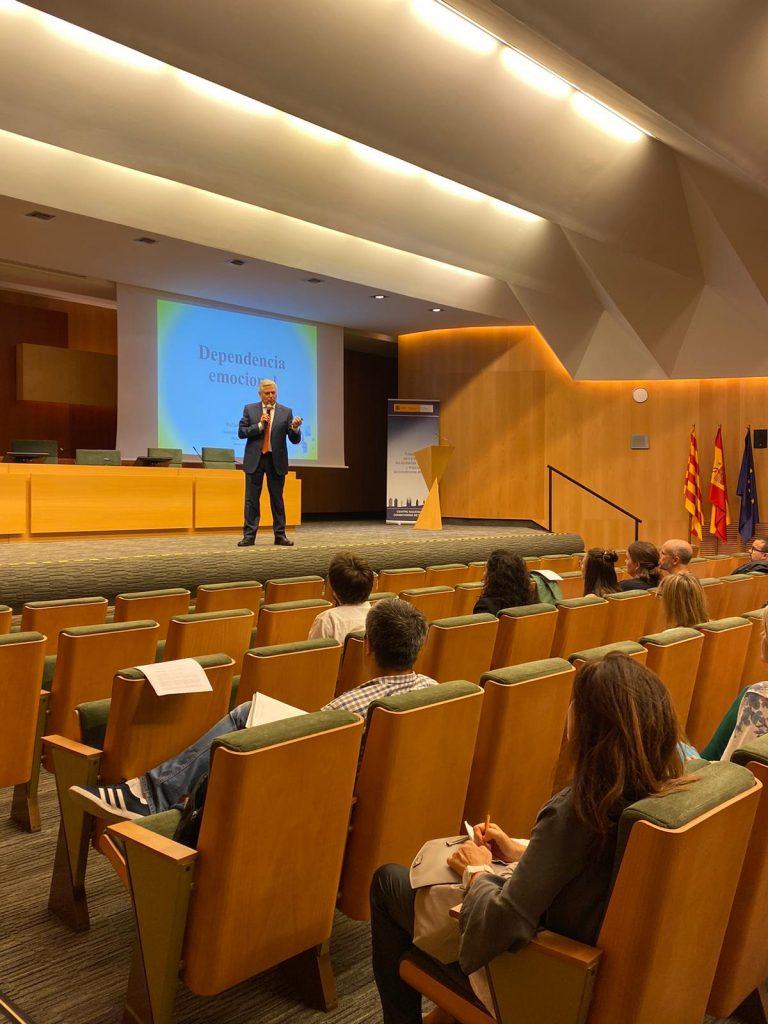 Rafael Bisquerra Alzina en el Ciclo Formativo Bienestar Psicoemocional de los Trabajadores organizado por Escuela Filia de Resolución de Conflictos